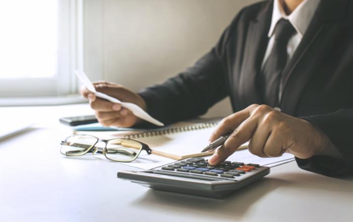税理士の顧問料を下げられるって本当?顧問料の相場や値段の決まり方とは?